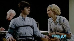 Bates-Motel-The-Immutable-Truth-lie-detector-test-hallucination-Freddie-Highmore-and-Vera-Farmiga