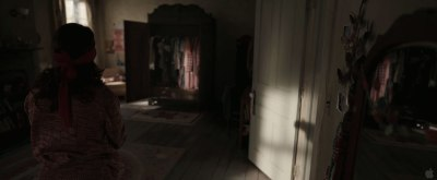 6-the-conjuring creepy room